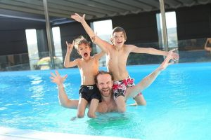swimming-pool-dad-and-kids