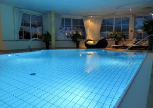 swimming-pool-indoor